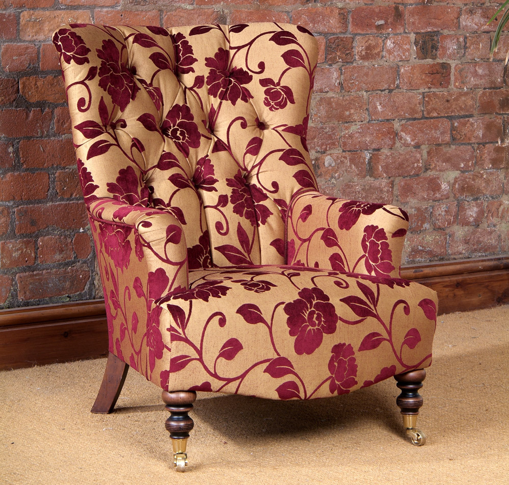tetrad polsterm bel im englischen stil massivholzm bel dam 2000. Black Bedroom Furniture Sets. Home Design Ideas